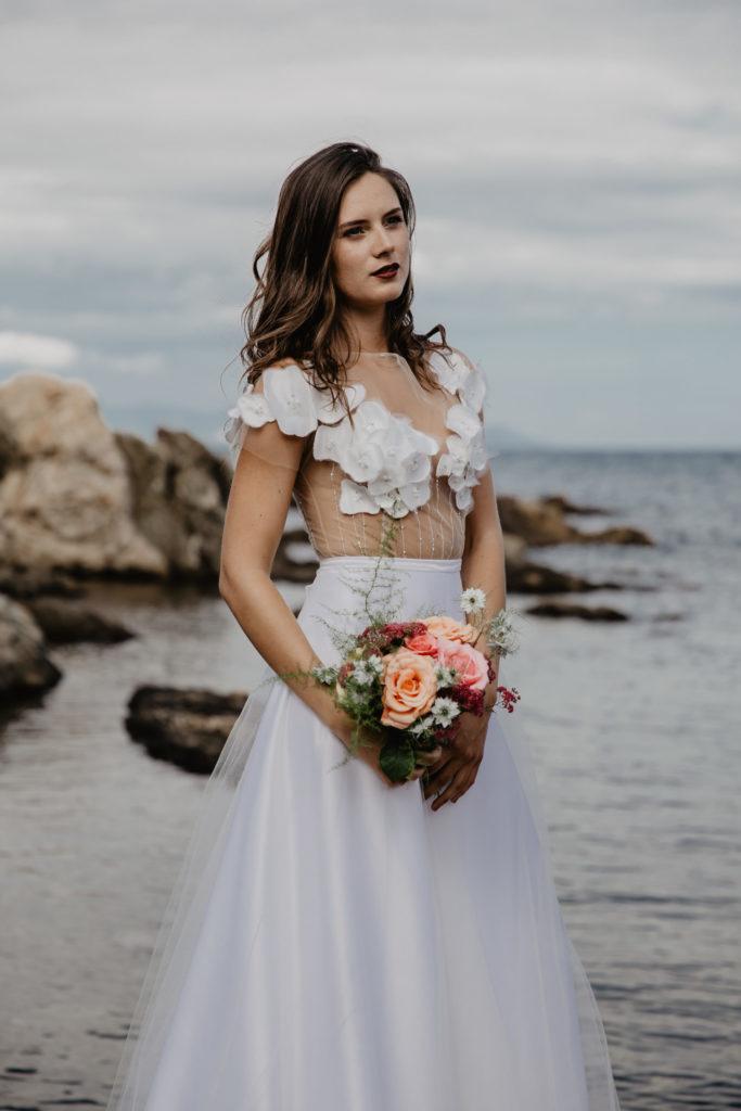 Séance photo inspiration mariage par Paloma Barret, robe ; Céline Philibert Couture, modèle ; Kim Brunel - www.lesyeuxbleus.net